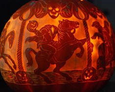Fall has arrived! Browse our editors' best pumpkin decorating ideas whether you're carving, painting, or using this classic gourd for Halloween décor. Holidays Halloween, Spooky Halloween, Halloween Pumpkins, Halloween Decorations, Happy Halloween, Halloween Ideas, Superhero Halloween, Halloween Tricks, Halloween Stuff