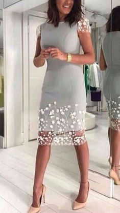Perfect Example of the proper split length spacing of sheer over fabric skirt Classy Dress, Classy Outfits, Beautiful Outfits, Casual Dresses, Short Dresses, Fashion Dresses, Formal Dresses, Fashion Details, Look Fashion
