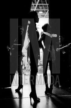 Backstage, previo a la pasarela - ph: Guillermina Fernandez