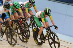 Amy Cure (Tasmania) on her way to gold in the points race. TrackNats2017