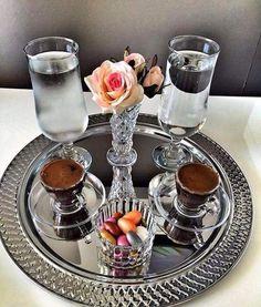 I Love Coffee, Coffee Set, Coffee Cafe, Hot Coffee, Coffee Drinks, Coffee Recipes, Tea Recipes, Coffee Presentation, Good Morning Coffee