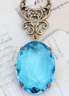 Collar de joyas vintage vidrio aguamarina Bienvenido a inspirados en Elizabeth, donde se encuentra viejo mundo diseño con estilo
