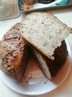Domáci chlieb (fotorecept) - recept   Varecha.sk Banana Bread, Desserts, Food, Basket, Tailgate Desserts, Deserts, Essen, Postres, Meals