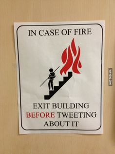 Took this pic during a fire drill Funny Signs, Funny Jokes, Hilarious, Really Funny, The Funny, Ra Jobs, Funny Images, Funny Pictures, Teachers Be Like