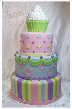 Cupcake Cake by Arte da Ka
