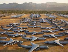 6 Tanah Perkuburan Pelik Bukan Untuk Manusia   Perkuburan biasanya diperuntukan bagi manusia atau haiwan yang telah mati berikut adalah tempat penyimpanan terakhir bagi berbagai macam barang rosak yang tidak digunakan lagi.  1. Pangkalan udara Davis-Mothan  Terdapat kemudahan yang menyimpan pesawat-pesawat yang sudah tamat tempoh. Sebahagian besar adalah pesawat militer dari angkatan udara dan angkatan laut. Pangkalan itu adalah rumah dari pesawat tempur F-16 F-15 F-4 F-18 dan masih banyak…