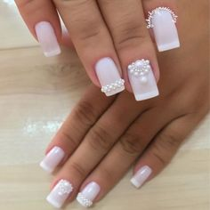 Nail art Christmas - the festive spirit on the nails. Over 70 creative ideas and tutorials - My Nails Silver Nails, Bling Nails, White Nails, Love Nails, Fun Nails, Pretty Nails, Glitter French Manicure, French Tip Nails, Bridal Nails