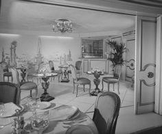 Perino's Restaurant, Bar, 1964: Photographer: Maynard L. Parker, The dining room