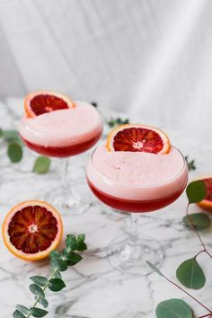 Blood Orange & Ginger Boston Sour - Zestful Kitchen Gorgeously hued, incredibly easy to make, and flavored with blood orange juice and ginger liqueur, this Blood Orange Boston Sour is one celebratory drink worth shaking up. Yummy Drinks, Healthy Drinks, Yummy Food, Healthy Food, Healthy Style, Fun Baking Recipes, Cooking Recipes, Honey Recipes, Ginger Liqueur