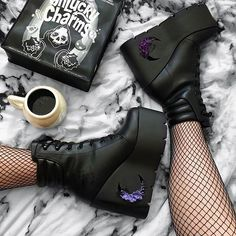 Good Shoes Takes You To Good Places; Dr Shoes, Swag Shoes, Hype Shoes, Me Too Shoes, Shoes Heels, Punk Shoes, Wedge Boots, Shoe Boots, Alternative Shoes