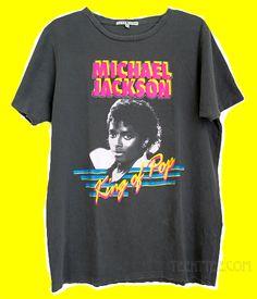 grunge rock Michael Jackson vintage charcoal wash destroyed finish t-shirt for Men. Michael Jackson Outfits, Michael Jackson Merchandise, Rock Shirts, 3d T Shirts, Printed Shirts, Tumblr T-shirt, Vintage Band T Shirts, Grunge, Junior Outfits