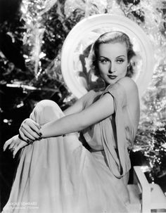 Carole Lombard - More at http://cine-mania.it
