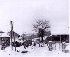 Photo prise après que la 117e et 119e régiment avait capturé et a quitté depuis le village de La Gleize, Belgique.