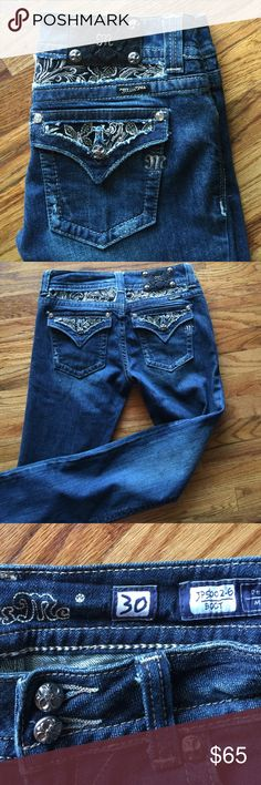MISS Me JEANS  Beautiful Miss Me jeans they are not worn, they have all the bells and whistles!30x35flawless details newI take all reasonable offers  Miss Me Jeans Boot Cut