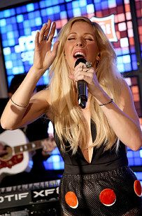 """Ellie Goulding Gave Hozier's """"Take Me To Church"""" A Pop Makeover"""