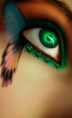 Smaragd by Rebellya.deviantart.com on @deviantART
