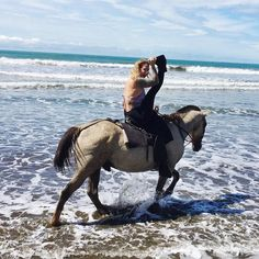 Enjoying my last full day here horseback riding on the beach and through the rainforest! Off to have lunch at a local restaurant now. Xoxo Irene @fitqueenirene  #CostaRica #Travel #Destination #HiddenSecret #Yoga #YogaPose #YogaRetreat #YogaLove #Namaste #VistaCelestial