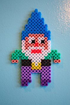 Nice gnome with fuse beads - my kids better watch out or their beads will be missing. Hama Beads Patterns, Beading Patterns, Perler Bead Mario, Peler Beads, Melting Beads, Fuse Beads, Pony Beads, Rainbow Loom, Craft Activities For Kids