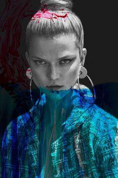 Kasia Struss pozuje w niebieskich włosach - PUDELEK