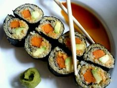 Carrots and avocado sushi