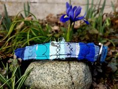 Click Buckle Patchwork Eco-Dog Collar Handmade, Available in Different Sizes and Color, Made out of Webbing and Upcycled Fabric. Custom Dog Collars, Fox Terrier, Rottweiler, Making Out, Upcycle, Handmade Items, Trends, Collaboration, Fabric