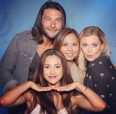 """""""Eliza, Lindsey, and Zach with today at Eliza Jane Taylor Cotter, Eliza Taylor, The 100 Cast, It Cast, Lindsey Morgan, Clexa, Lady In Red, Actresses, Actors"""