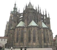 Vista trasera de la Catedral de San Vito