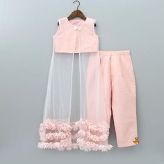 Pre Order: Peach Top und Palazzo Pant With White Shrug - Babykleidung Kids Dress Wear, Kids Gown, Party Wear Dresses, Kids Wear, Children Wear, Party Dress, Kids Frocks Design, Baby Frocks Designs, Baby Girl Dress Patterns