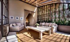 El hotel Il Salviatino de Florencia está ubicado en una villa italiana del siglo XV. Ofrece 45 habitaciones y 8 amplias suites instaladas en el antiguo invernadero.