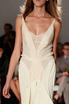 Calvin Klein Collection Spring 2012 Ready-to-Wear Fashion Show Fashion Week, Look Fashion, Fashion Details, Runway Fashion, High Fashion, Fashion Show, Calvin Klein Collection, Dressy Dresses, Facon
