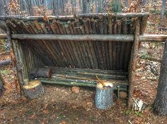 My shelter is pretty much complete, now I need snow and a nice warm long fire #nying #woodsman #bushcraft #wildernessculture #skog #friluftsliv #wildernessskills #shelter #outdoors #nature #forest #freedom #perinteinen #traditional #wildcamping