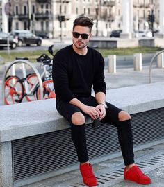 visit our website for the latest men's fashion trends products and tips . Preppy Mens Fashion, Latest Mens Fashion, Fashion Moda, Urban Fashion, Men's Fashion, Fashion Rings, Fashion Clothes, Stylish Men, Men Casual