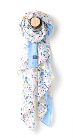 0b67b84f710d This lightweight longline Wensley women s scarf by Joules comes in a cream  colour with a stunning multi colour woodland ditsy leaf print.