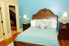Room 1 in our #vacation rental in Rockland, #Maine offers guests a queen bed, private en-suite bath, and all the modern amenities! Don't forget our homemade breakfast and pie! #airbnb #Rockland