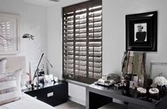 Kelly Hoppen Bedroom with slatted Lacquer shutters - statement look not seen before & looks very Vietnam Wooden Window Shutters, Bedroom Shutters, Interior Window Shutters, Black Shutters, Best Interior Paint, Shop Interior Design, Bathroom Interior Design, Kelly Hoppen Interiors, Designer
