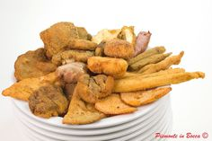 Il frito misto alla piemontese, mixed fried meat and sausage in piemontese style. Bolognese, Wine Recipes, Sweet Potato, Carrots, Sausage, French Toast, Potatoes, Chicken, Vegetables
