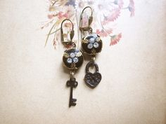 Key to my Heart Earrings / Romantic Valentine by hollyglimmer