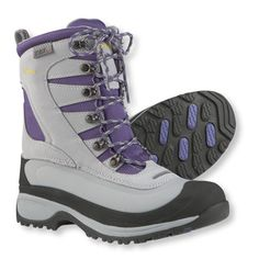 The lightweight and resilient boot keeps you warm through the winter with recycled Primaloft insulation.