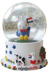 snowglobe nijntje holland in de winkel van Nijntje