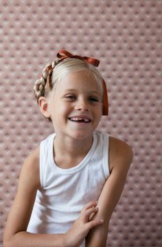 back to school pictures should be happening any day now, pull together some adorable hairstyles for your little lady with these tips!