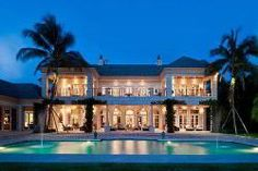 Amazing Vacation Home with Intercoastal Waterways View - Luxurious and amazing…! are first impression when you see this vacation home with intercoastal waterways view in Palm Beach, Florida. This amazing vacation home was built in classy style with Palm Beach, Vero Beach, Ocean Beach, Laguna Beach House, Exotic Homes, Beach Mansion, Florida Mansion, Design Exterior, Interior Design