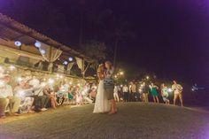 illuminates the moment with some sparkles Wedding Makeup, Weddingideas, Sparkles, Destination Wedding, Dolores Park, In This Moment, Table Decorations, Entertainment, Music