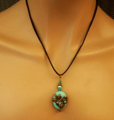 Türkis Halskette im Antik Stil mit Weinranken von Schmucktruhe