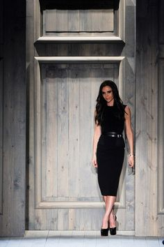See the complete Victoria Beckham Fall 2012 Ready-to-Wear collection.