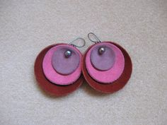 Suede and freshwater pearls earrings