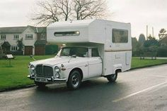 Looking for used Rover cars? Find your ideal second hand used Rover cars from top dealers and private sellers in your area with PistonHeads Classifieds. Camper Caravan, Truck Camper, Rv Campers, Camper Van, Vintage Rv, Vintage Trailers, Ww2 Fighter Planes, Caravans, Motorhome
