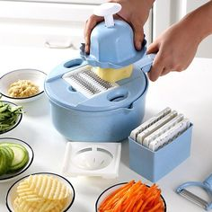Multi-functional and versatile, this Mandoline Slicer Cutter Chopper and Grater is truly a time-saving, kitchen tool that certainly lives up to its name! Wouldn't it be wonderful to have a reliable kitchen tool on hand that could be used for almost any Cool Kitchen Gadgets, Kitchen Tools, Cool Kitchens, Kitchen Appliances, Cuisines Diy, Mandolin Slicer, Grater, Cooking Gadgets, Piece Of Cakes