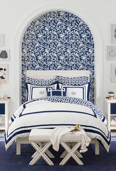 This classic navy and white bedroom gives us the blues (in a good way). Create a… This classic navy and white bedroom gives us the blues (in a good way). Create a chic and sophisticated girls room with mix-and-match patterns. Preppy Bedroom, Blue Bedroom Decor, Bedroom Bed, Bedroom Colors, Bedroom Decor For Teen Girls, Teen Girl Bedrooms, Sophisticated Girls Room, Casa Feng Shui, Navy Bedrooms