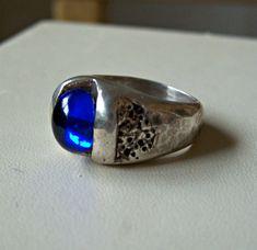 Vintage Mid Century Cobalt Blue Stone Ring Sterling Silver Hammered Modernist Size 6.5