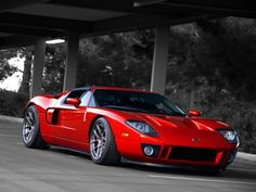 The Ford GT first captured the hearts and minds of many drivers around the world in the A mid-engine, two-seater sports car produced by Ford Ford Gt40, Ford Mustang, Ford Motor Company, Us Cars, Sport Cars, My Dream Car, Dream Cars, Ford Gt 2005, Ford Lincoln Mercury